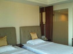Eton Grand Hotel