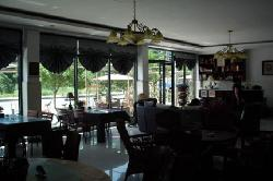 Aarberg Village Hotel