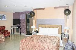 Delton Hotel - Love River