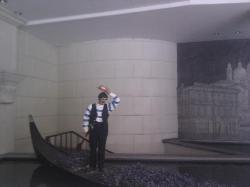酒店门口的贡多拉