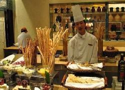 Shangri-La Hotel Chengdu Cafe Z