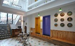Niaoshanming Theme Guest House