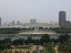 YueLiang GuangChang BuXingJie