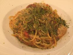 海鲜意面非常好吃,提拉米苏超级赞!目前为止陶尔米纳最满意的一餐!