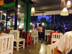 Alert Restaurant&Bar