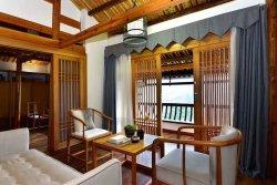 Xijiang Xunmei Banshan Holiday Hotel