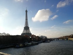 十二月份法国巴黎