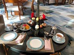 大堂酒廊香氛与下午茶