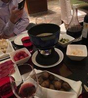 GangAo ZhongXin RuiShi Hotel Café
