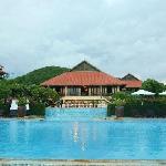 公共游泳池