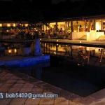 酒店游泳池的夜景