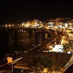 从旅馆阳台看出去的夜景