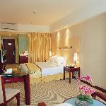 Lijing Commercial Hotel