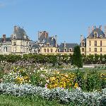 从花园看Fontainblueau城堡