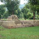 马里博物馆室外陈列的民族建筑微缩景观(1)