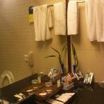 浴室一角,东西还是蛮丰富的