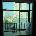 很喜欢的窗台,是这个房间里我最喜欢的