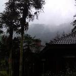 酒店的外环境,西岭雪山就在眼前,不过总是烟雨蒙蒙