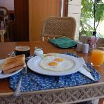 早餐……很好看。有点吃不饱……哈哈~