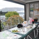 公用餐厅面对窗外景色