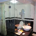 透明的洗手间,很有风格