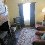 大起居室有壁炉,十分舒适的沙发