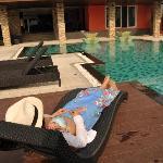 酒店的游泳池