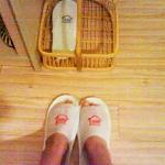 房间纸拖鞋