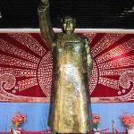 主席像章雕像