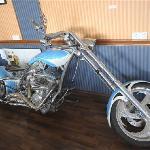 百万纯属工摩托车