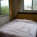 朋友的房間,五樓帶小陽台,景色看得更遠