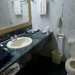 洗手间,准备洗澡