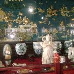 阁楼展品中的一角,有好多奇珍异品啊