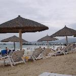 沙滩上的躺椅