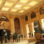 酒店大堂钢琴区域