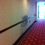 带有污垢的走廊