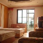 Yuman Holiday Hotel