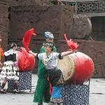 苗族风情表演,介绍说是鼓王来的。