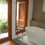 房间卫浴很清爽舒适