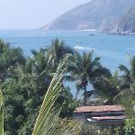 酒店阳台眺望大海