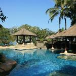 酒店的一个泳池