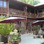 Yulong Qiantang Hotel