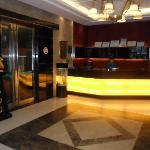 安馨100商务酒店前台