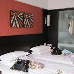 Photo of Yilian Junting Hotel