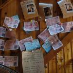 大厅里大家留下的车票
