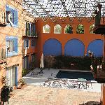 Misión Guanajuato酒店中庭及室外泳池