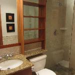 浴室  Bathrom