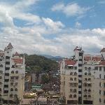 Photo de Fenghuang Hotel
