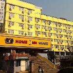 这家如家酒店位于青岛啤酒街上,交通方便,适合旅游入住。