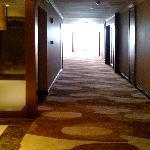 重新装修了的副楼的通道。